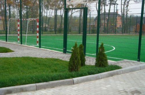 Ограждения для спортивных площадок, заборы для промышленных объектов из сварного прута, сварные секционные заборы для ограждения спортплощадок, аэропортов, детских игровых площадок, стадионов
